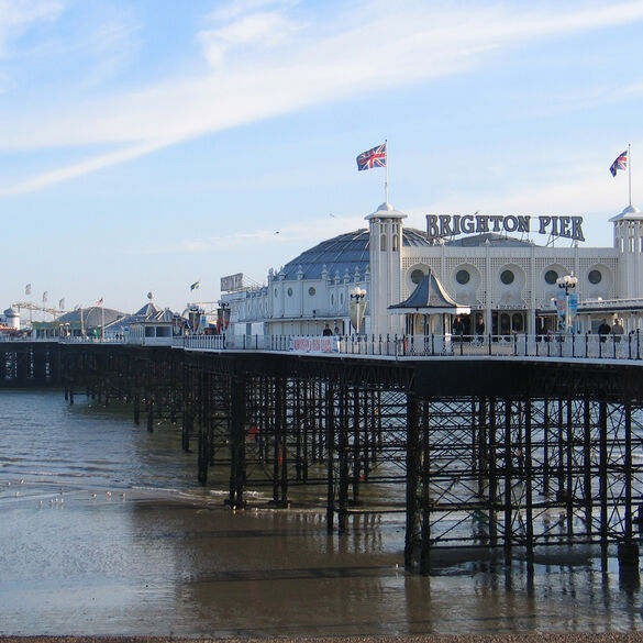 Brighton, Junio